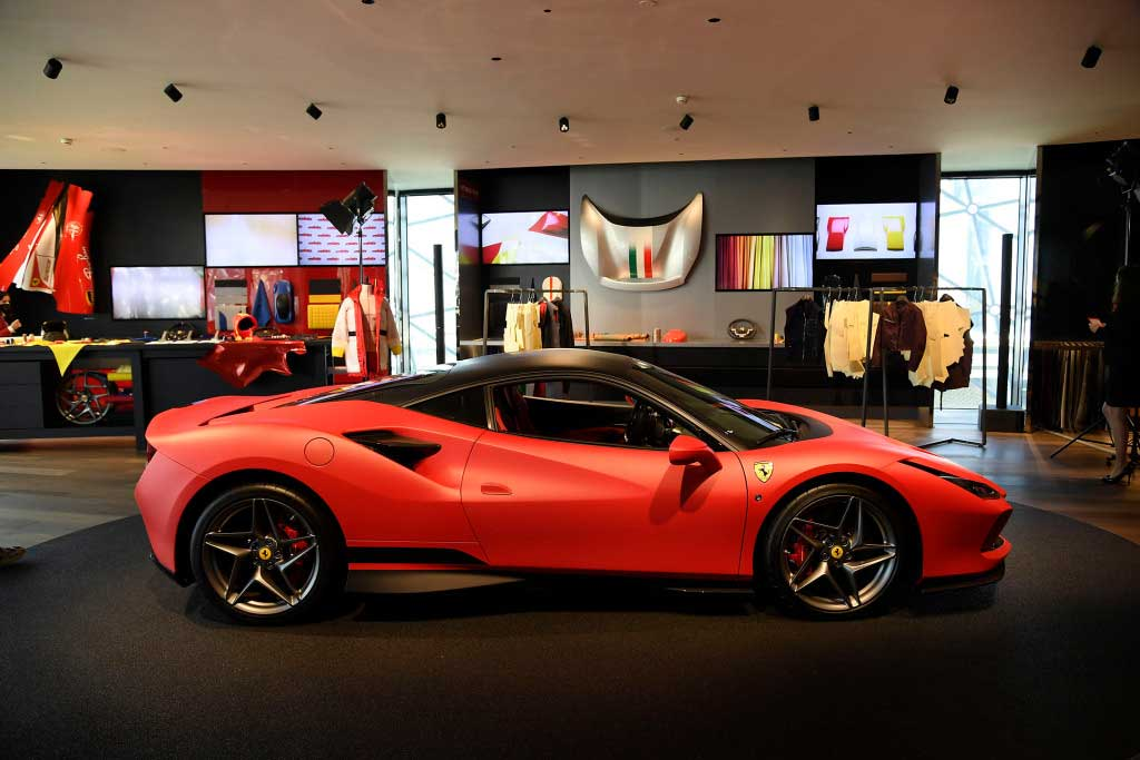 Ferrari fashion 2